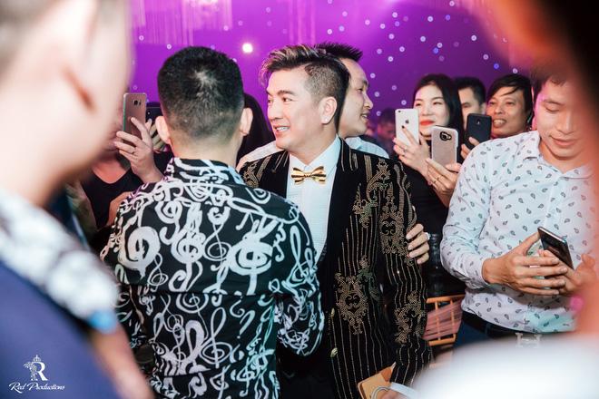 Đàm Vĩnh Hưng xuất hiện trong siêu đám cưới ở Hưng Yên - Ảnh 3.