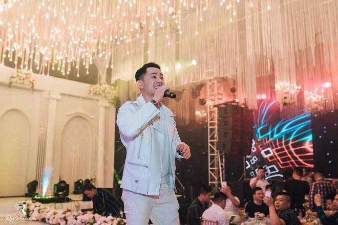 Đàm Vĩnh Hưng xuất hiện trong siêu đám cưới ở Hưng Yên - Ảnh 12.