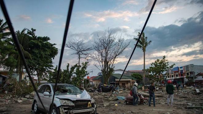 Nạn nhân tăng vọt, đội ngũ bác sĩ phẫu thuật được triển khai, TT Indonesia tới thăm hiện trường - Ảnh 13.
