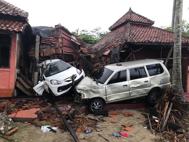 Nạn nhân tăng vọt, đội ngũ bác sĩ phẫu thuật được triển khai, TT Indonesia tới thăm hiện trường - Ảnh 6.