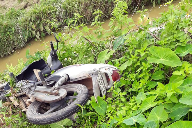 Hà Nội: Hai thanh niên nghi trộm chó bị người dân vây đánh gục giữa ruộng - Ảnh 7.