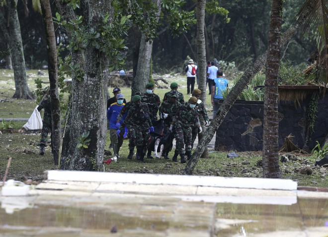 [Cập nhật]: Số nạn nhân tăng vọt, Indonesia có nguy cơ đối mặt với đợt sóng thần mới - Ảnh 1.