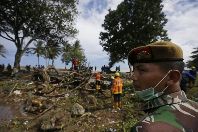 [Cập nhật]: Số nạn nhân tăng vọt, Indonesia có nguy cơ đối mặt với đợt sóng thần mới - Ảnh 3.