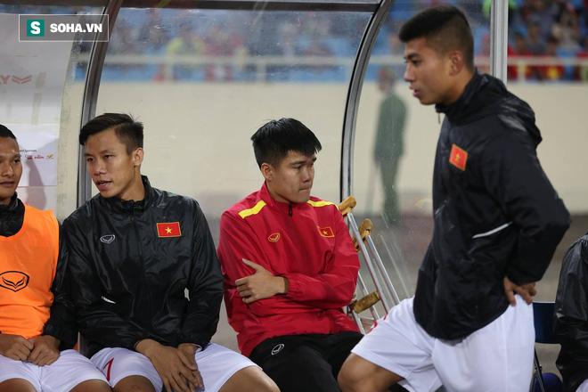Sao Việt Nam nghẹn ngào khóc khi hát Quốc ca vì chấn thương, lỡ Asian Cup - Ảnh 2.