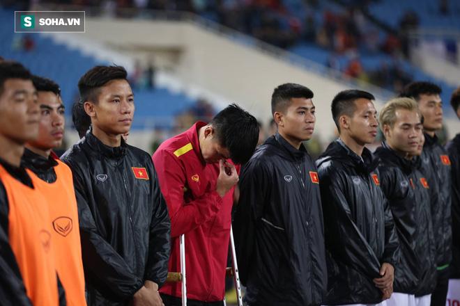 Sao Việt Nam nghẹn ngào khóc khi hát Quốc ca vì chấn thương, lỡ Asian Cup - Ảnh 6.