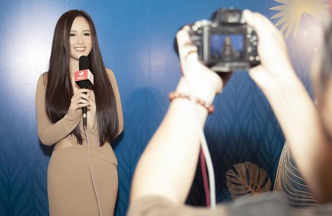 Hoa hậu Mai Phương Thúy mặc đầm gợi cảm, đọ sắc bên HHen Niê - Ảnh 8.