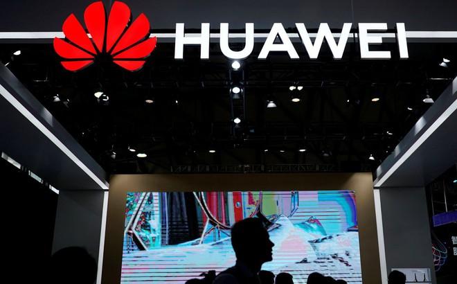 """Huawei: 1 nhân viên bị bắt giam, 1 nhân viên khác """"mất tích"""" sau khi đồng ý """"bán đứng"""" công ty"""