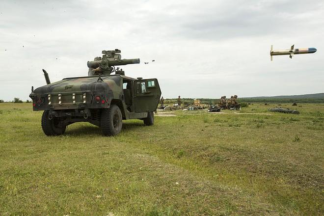 50 tuổi, tên lửa Mỹ vẫn xơi tái xe tăng T-90 Nga ở Syria! - ảnh 1