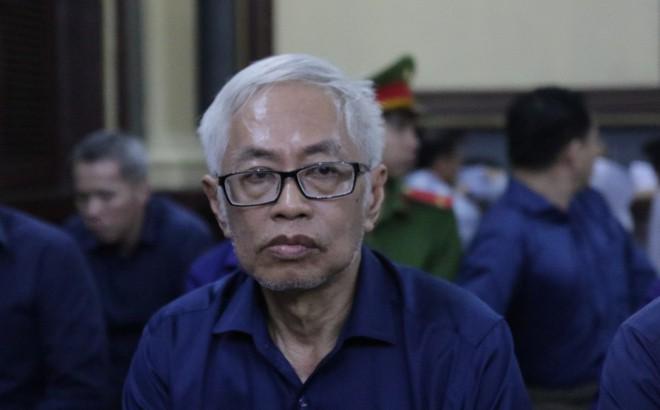 """Xét xử Vũ """"nhôm"""" và Trần Phương Bình: Từ nhân viên bảo vệ lên trưởng phòng ngân quỹ ĐongAbank"""