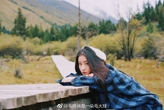 Nhan sắc thật sự của Tiểu Long Nữ mũi to bị photoshop thảm hoạ trên poster Tân Thần Điêu Đại Hiệp 2018 - ảnh 13