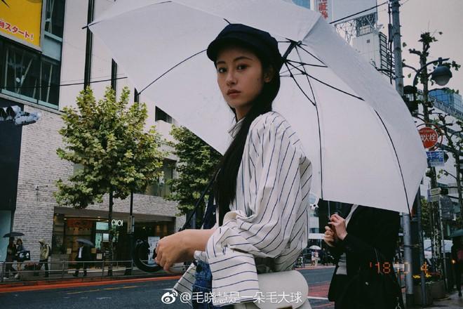 Nhan sắc thật sự của Tiểu Long Nữ mũi to bị photoshop thảm hoạ trên poster Tân Thần Điêu Đại Hiệp 2018 - ảnh 15