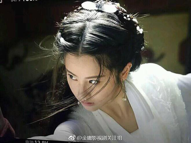 Nhan sắc thật sự của Tiểu Long Nữ mũi to bị photoshop thảm hoạ trên poster Tân Thần Điêu Đại Hiệp 2018 - ảnh 8