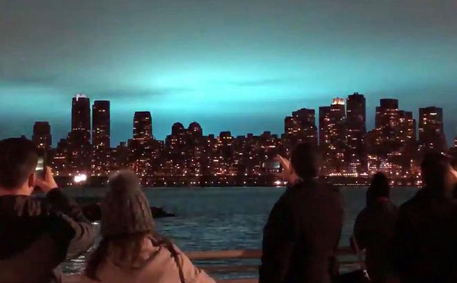 7 ngày qua ảnh: Ánh sáng xanh kỳ lạ trên bầu trời New York - Ảnh 5.