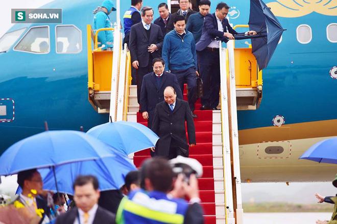 Máy bay chở Thủ tướng đáp xuống sân bay Vân Đồn - Ảnh 3.