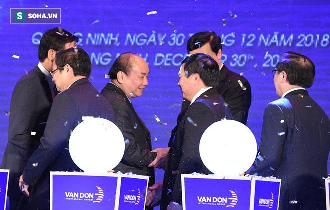 Thủ tướng bấm nút khánh thành sân bay Vân Đồn - Ảnh 3.