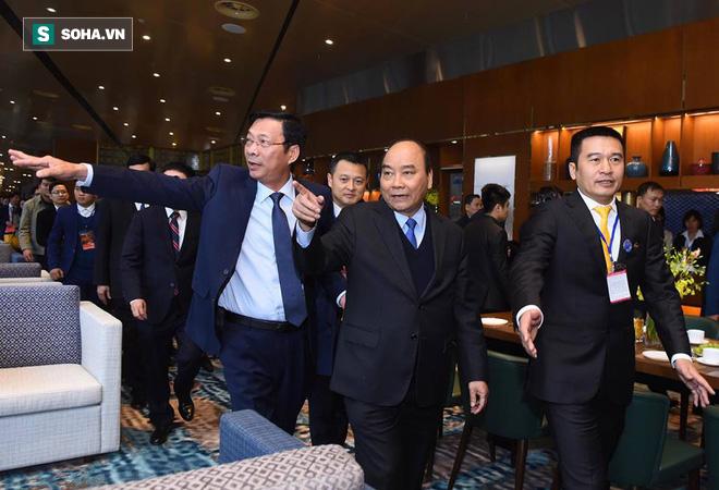 Thủ tướng bấm nút khánh thành sân bay Vân Đồn - Ảnh 4.