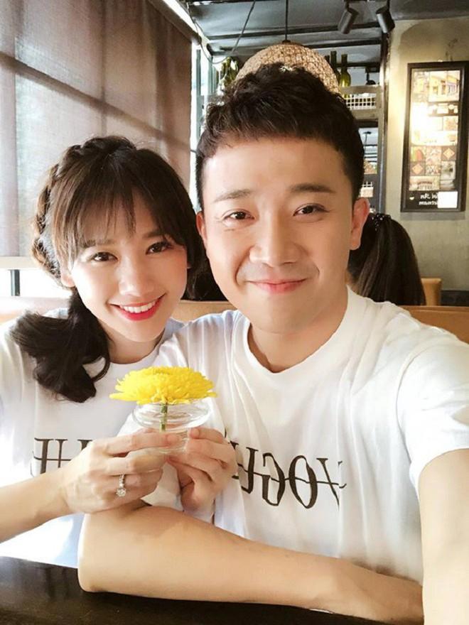 Trấn Thành - Hari Won: Đôi vợ chồng chăm diện đồ đôi nhất showbiz Việt - Ảnh 5.