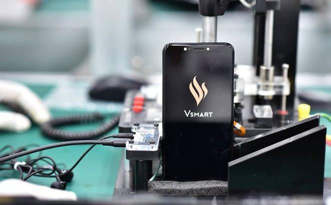 """Bài kiểm tra """"khó nhằn"""" dành cho chiếc điện thoại VSmart"""