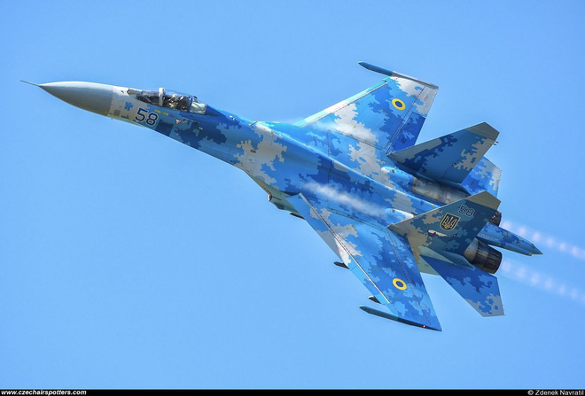 [ẢNH] Từ 70 chiến thần Su-27 xuống còn 17 chiếc, điều gì đang xảy ra với chiến đấu cơ mạnh nhất của Ukraine? - Ảnh 12.