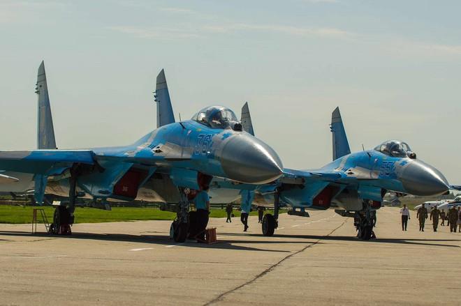 [ẢNH] Từ 70 chiến thần Su-27 xuống còn 17 chiếc, điều gì đang xảy ra với chiến đấu cơ mạnh nhất của Ukraine? - Ảnh 16.