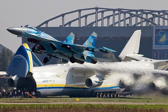 [ẢNH] Từ 70 chiến thần Su-27 xuống còn 17 chiếc, điều gì đang xảy ra với chiến đấu cơ mạnh nhất của Ukraine? - Ảnh 19.