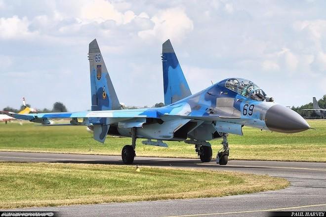 [ẢNH] Từ 70 chiến thần Su-27 xuống còn 17 chiếc, điều gì đang xảy ra với chiến đấu cơ mạnh nhất của Ukraine? - Ảnh 3.