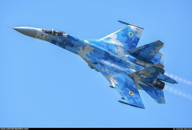 [ẢNH] Từ 70 chiến thần Su-27 xuống còn 17 chiếc, điều gì đang xảy ra với chiến đấu cơ mạnh nhất của Ukraine? - Ảnh 23.