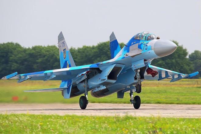 [ẢNH] Từ 70 chiến thần Su-27 xuống còn 17 chiếc, điều gì đang xảy ra với chiến đấu cơ mạnh nhất của Ukraine? - Ảnh 6.