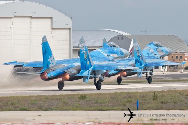 [ẢNH] Từ 70 chiến thần Su-27 xuống còn 17 chiếc, điều gì đang xảy ra với chiến đấu cơ mạnh nhất của Ukraine? - Ảnh 9.