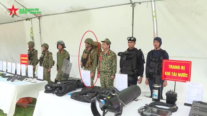 Áo giáp và ba lô thế hệ mới của Đặc công Việt Nam: Rất độc đáo - Ảnh 1.