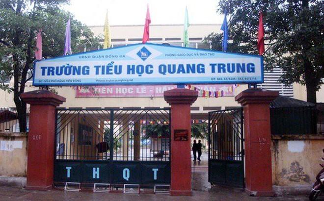 Tạm đình chỉ cô giáo bị tố bắt học sinh lớp 2 tát bạn 50 cái ở Hà Nội