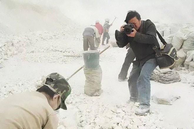 21 bức ảnh bóc trần góc tối mà TQ muốn che giấu và sự biến mất bí ẩn của nhiếp ảnh gia - Ảnh 1.