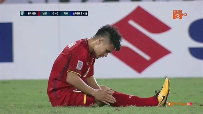Quang Hải và lời than thở sau khi liên tục dính đòn từ những cầu thủ cao to của Philippines - Ảnh 3.