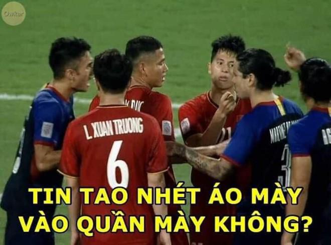 Quang Hải và lời than thở sau khi liên tục dính đòn từ những cầu thủ cao to của Philippines - Ảnh 7.