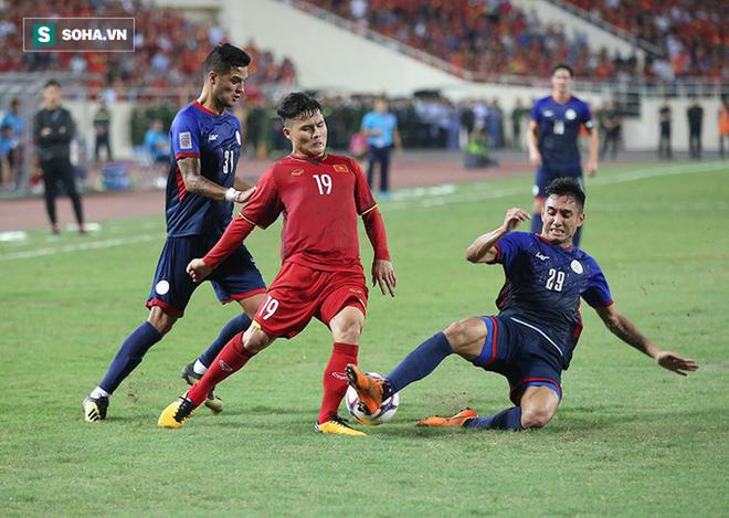 Quang Hải và lời than thở sau khi liên tục dính đòn từ những cầu thủ cao to của Philippines - Ảnh 1.