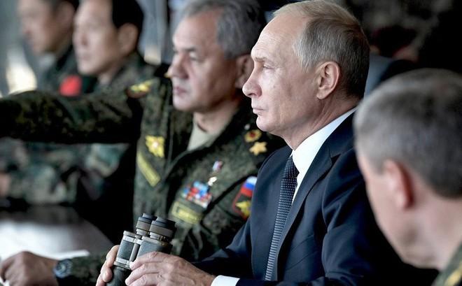 """Mỹ tung tối hậu thư 60 ngày, TT Putin thách thức: Mỹ muốn """"chơi"""", Nga sẽ chiều tới bến!"""