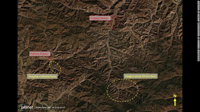 CNN: Lộ ảnh Triều Tiên ngấm ngầm xây căn cứ siêu khủng giấu tên lửa mà không ai phát hiện - Ảnh 1.