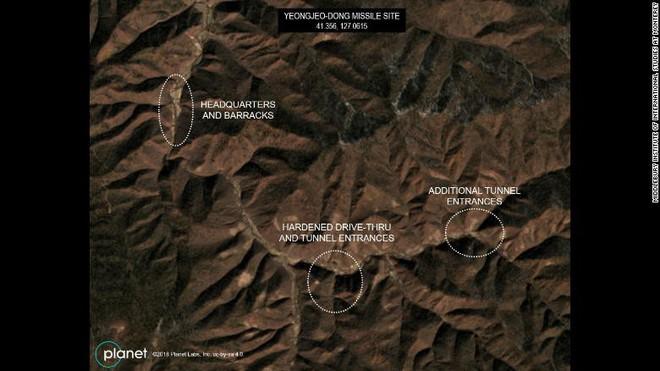 CNN: Lộ ảnh Triều Tiên ngấm ngầm xây căn cứ siêu khủng giấu tên lửa mà không ai phát hiện - Ảnh 2.