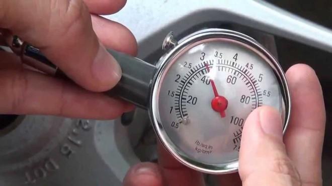 Áp suất lốp xe ô tô là gì, bao nhiêu là đủ? - Ảnh 1.