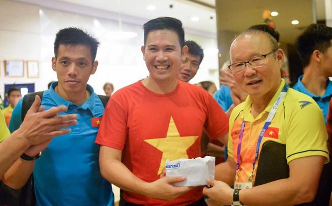 Tuyển Việt Nam đón tin cực vui từ Asanzo trước thềm bán kết lượt về AFF Cup