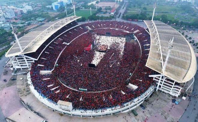 Sân vận động Mỹ Đình nhìn từ flycam trong tối nay
