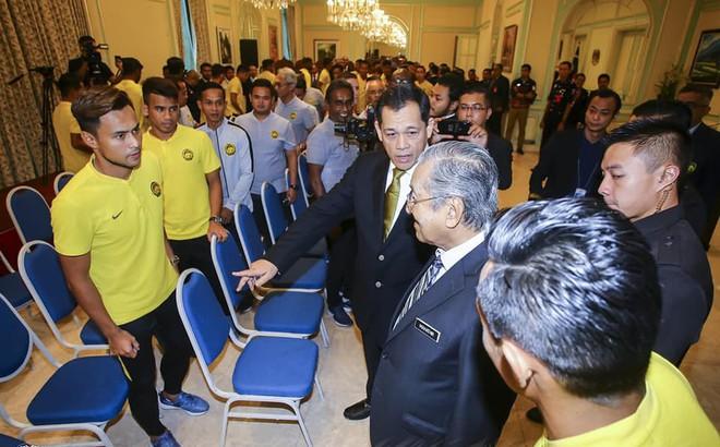 Thủ tướng Malaysia ra lệnh cho thầy trò HLV Tan Cheng Hoe trước cuộc đại chiến Việt Nam