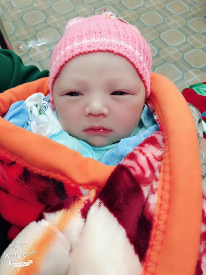Bức ảnh bé sơ sinh bĩu môi hờn cả thế giới khiến dân mạng rần rần chia sẻ - Ảnh 4.