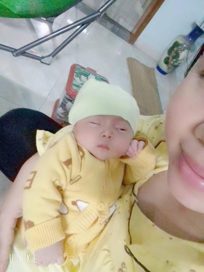 Bức ảnh bé sơ sinh bĩu môi hờn cả thế giới khiến dân mạng rần rần chia sẻ - Ảnh 8.