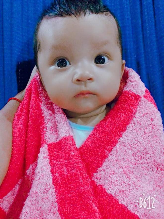 Bức ảnh bé sơ sinh bĩu môi hờn cả thế giới khiến dân mạng rần rần chia sẻ - Ảnh 9.