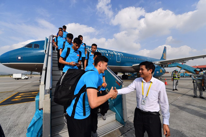 Lịch bay của đội tuyển Việt Nam sang Malaysia chuẩn bị cho trận chung kết AFF Cup 2018 - Ảnh 1.