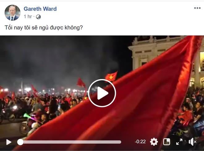 Việt Nam vào chung kết AFF Cup: Hàng triệu CĐV vỡ òa, Đại sứ Anh tại VN háo hức chung vui - ảnh 2