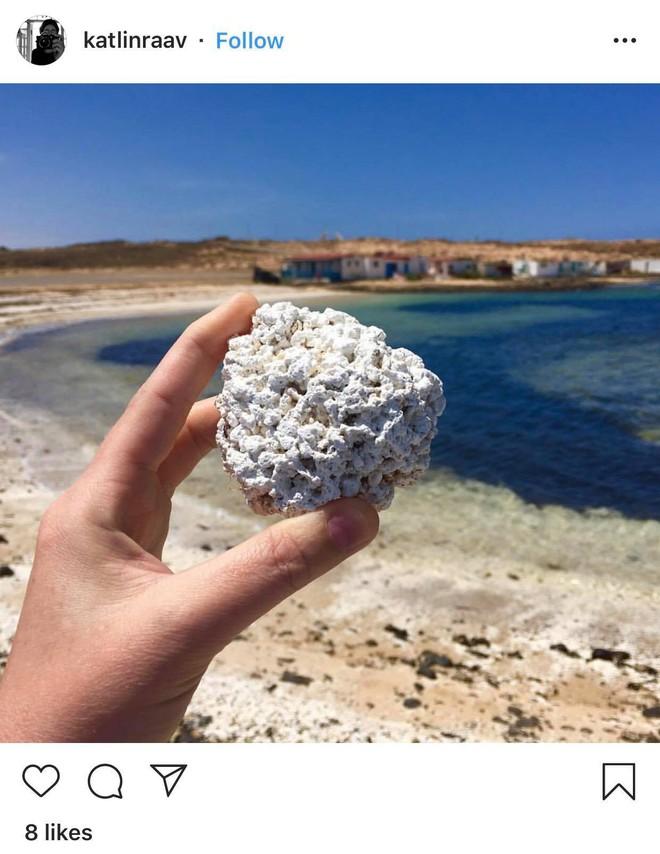 Bãi biển bỏng ngô nổi tiếng tại Tây Ban Nha: Trông hấp dẫn thế thôi chứ cắn vào là gãy răng ngay! - Ảnh 3.
