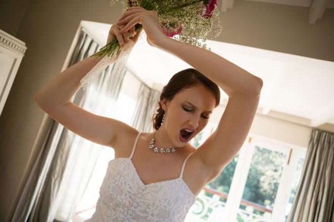 Chú rể hủy hôn phút chót vì câu nói này của cô dâu về em gái - Ảnh 2.