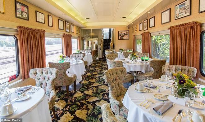 Choáng ngợp trước nội thất quý phái bậc nhất bên trong chuyến tàu chở TT Bush cha - Ảnh 3.